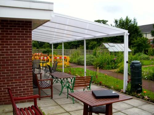 the simplicity garden verandas have a sleek modern appearance that